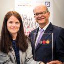 Dr. Barbara Kolany-Raiser (ITM) und Werner Oesterschlink (Deutsche Bank) © Deutschland – Land der Ideen/Thomas Mohn