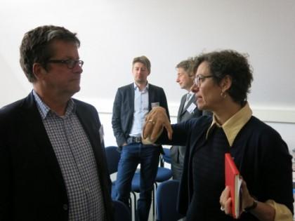 Prof. Dr. Thomas Hoeren, ITM, und Prof. Dr. Jeanette Hofmann, WZB, im Hintergrund Benjamin Schütze und Prof. Dr. Nikolaus Forgó